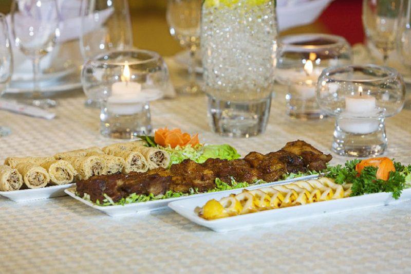 TT Hội nghị tiệc cưới 272 cung cấp đa dạng các món ăn từ Á đến Âu