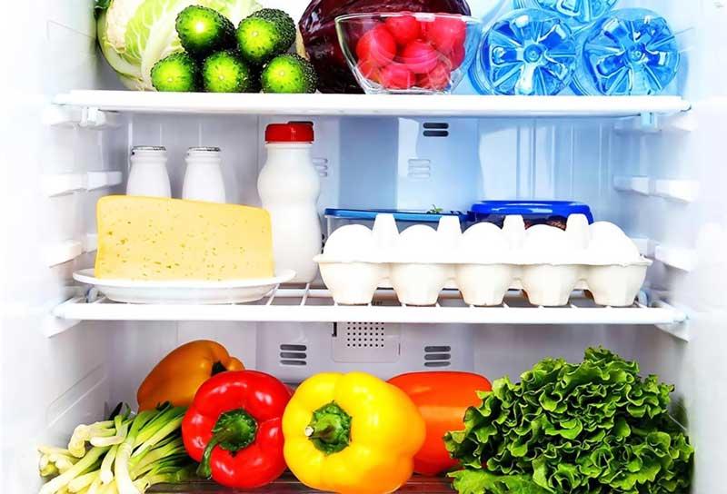 Nên bảo quản riêng rau xanh và trái cây