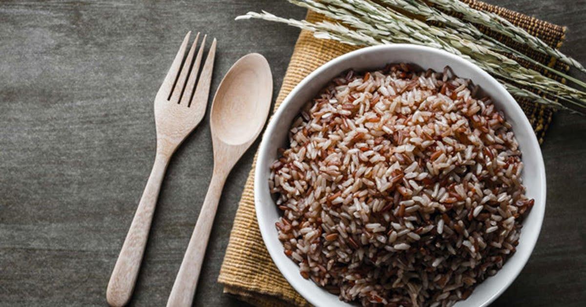 Cơm gạo lứt hạt kê là một trong những món ăn phổ biến và rất dễ làm